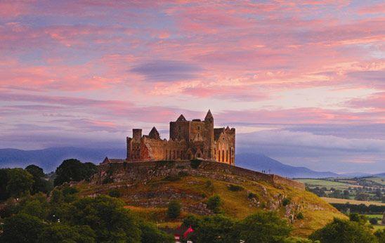 Le Wild Atlantic Way, l'Anneau du Kerry, les lieux de tournage de Game of Thrones: voilà des circuits de rêve en Irlande. Alors, pourquoi ne pas prendre la route pour tous les voir?