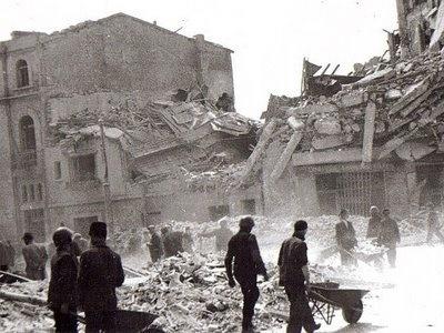 Bucurestiul bombardat in anul 1944.