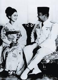 Ratna Sari Dewi Soekarno & Bung Karno