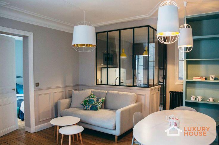 Компактная квартира молодой семьи в Париже  Проект Lauriston, расположенный в Париже, Франция, является работой компании Camille Hermand Architectures, выполненной в 2016 году. Дизайнеры преобразовали старую квартиру для молодой пары с маленькими детьми в современные апартаменты.   Больше фото - http://luxury-house.org/kompaktnaya-kvartira-molodoj-semi-v-parizhe/
