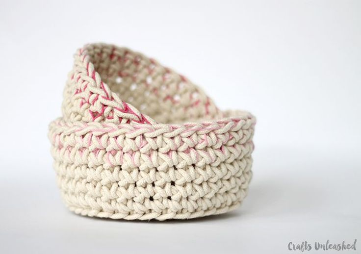 making one of these now!  Color-Block-Crochet-Basket-Pattern-Crafts-Unleashed-3