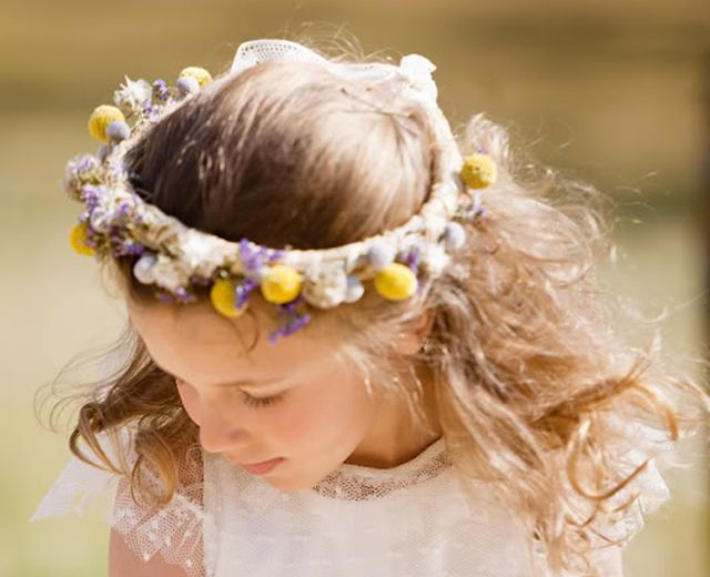 Coronas de flores niñas, tocados para niñas , diademas para niñas #tocadosparaniñas #diademasniñas #accesoriosniñas