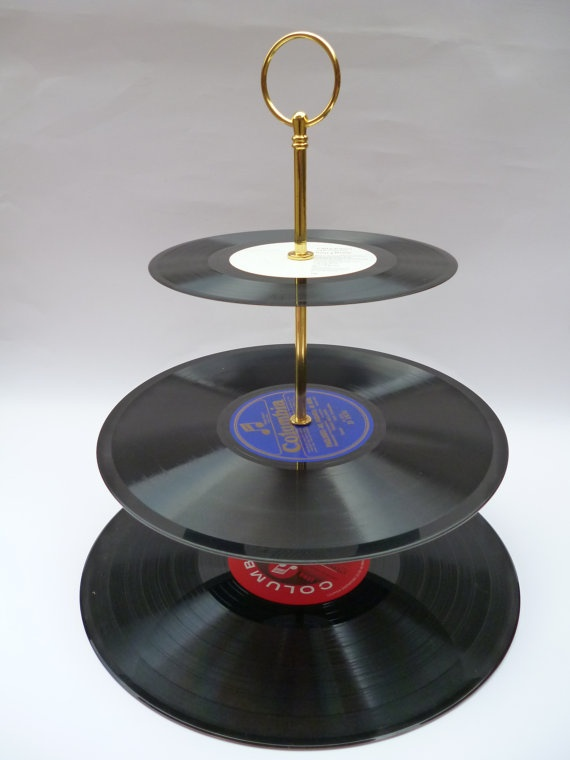 Record cake stand {awesome!}