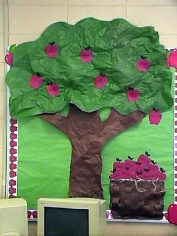 Definitely going to add this tree to our bulletin board with spring flowers...love the 3D texture!