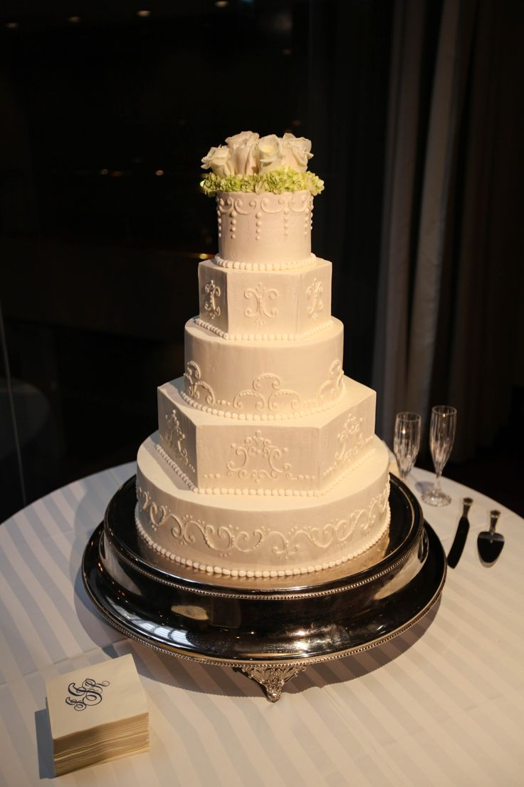 19 best Cakes images on Pinterest | Event venues, Rehearsal dinners ...