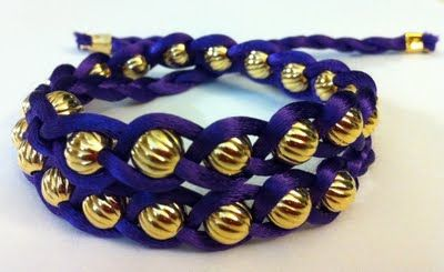 Make your own beaded bracelets: Bracelets Tutorials, Beads Bracelets, Gifts Ideas, Jewelry Bracelets, Diy Jewelry, Braids Bracelets, Diy Bracelets, Ribbons Bracelets, Beads Wraps Bracelets