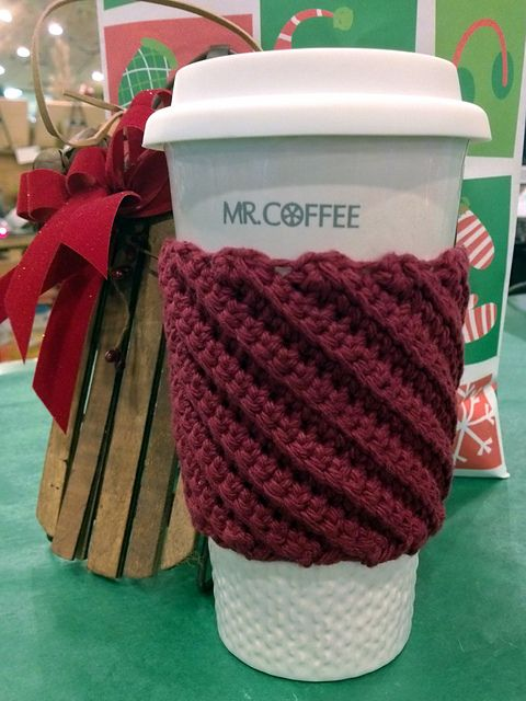 Ravelry: Crooked Coffee Mug Cozy. Free Crochet mug cozy pattern by Danyel Pink. Notes on this particular project. Easy, quick, and doesn't use a lot of yarn.