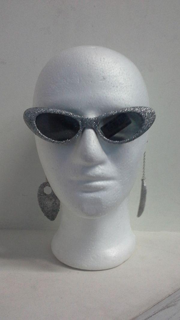 ¿Que tal estas gafas para una fiesta muy retro?. #DecoracionFiestasTematicasCali #ArticulosHoraLocaPereira