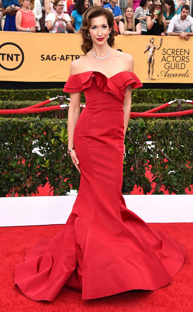 Hello, ruffles! How perfect is Alysia Reiner at the SAG Awards?!