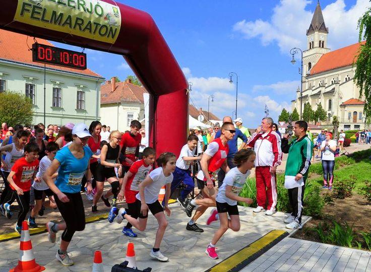 Hrubos Zsolt Ezerjó Félmaraton A Szent György-heti Vigasságok keretein belül immár sokadik alkalommal került megrendezésre a móri félmaraton. Több kép Zsolttól: www.facebook.com/zsolt.hrubos és www.hrubosfoto.hu