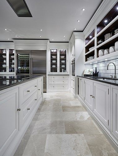 Luxury Grand Kitchen - Tom Howley