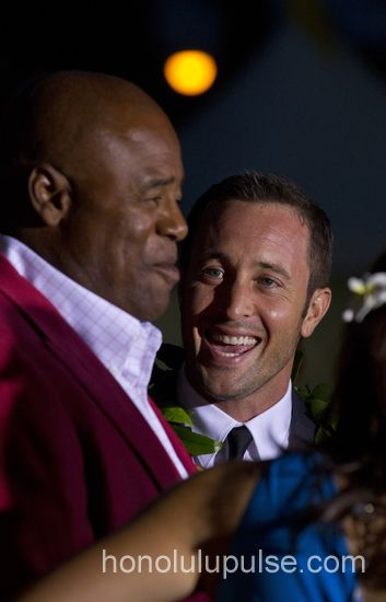 """Chi McBride, left, and Alex O'Loughlin on the red carpet at """"Sunset on the Beach"""" on Thursday, Sept. 26. (Star-Advertiser File) #h50 #Five0Redux http://www.honolulupulse.com/2013/09/five-0-redux-more-depth-and-promise/"""
