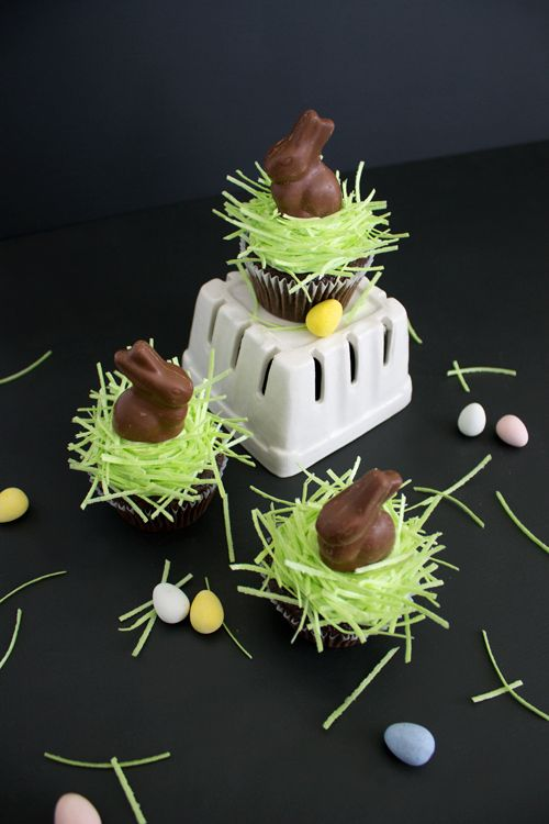 Chocolate Bunny Cupcake Toppers with Edible Grass | like-the-cheese.com