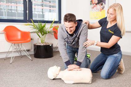 Erste Hilfe Kurs bei der M-A-U-S  Lebensrettende Sofortmaßnahmen Safety first!