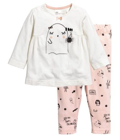 White/ghost. CONSCIOUS. Dress and leggings in soft jersey made from organic cotton. Dress with a printed motif at front, decorative gathers at sides, snap