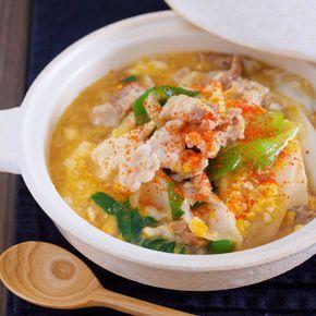 お鍋に入れて煮るだけ5分♪お財布にも胃腸にもやさしい♪『豚たま肉豆腐』 by Yuuさん | レシピブログ - 料理ブログのレシピ満載! ▶︎レシピ検索はこちら◀︎ ※検索方法はこちらをご参照くださいませ。 豚こま・豆腐・卵という節約食材神3を使った(笑)胃腸にやさしい簡単メイン♪お鍋に材料を入れたらあとは、サッと煮るだけ。豚こまは片栗...