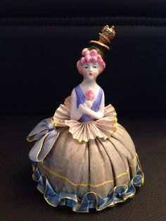 *Vintage -Lady Holding Flower- Perfume Bottle