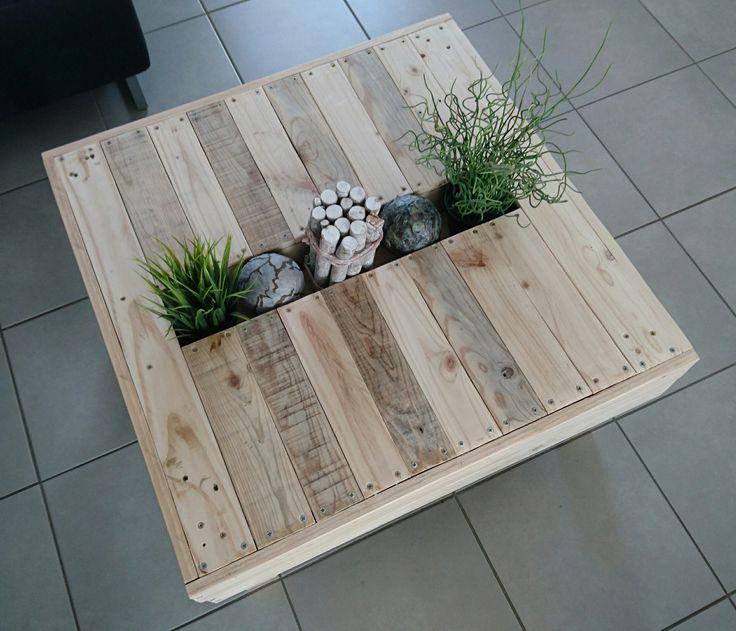 Table basse en bois recyclé avec gouttière centrale pour décoration : Meubles et rangements par crelia