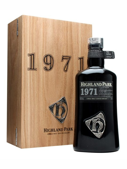 Highland Park 1971 / Orcadian Vintage : Buy Online - The Whisky Exchange - A long awaited entry in the Highland Park Orcadian Vintage range - distilled way back in 1971. Continuing the tradition of the other bottlings in the series its comes in a hefty bottle and is packa...  mxm