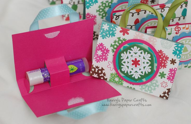Lip Balm Purses!  Little girls would  LOVE giving/getting these for their friends for Christmas!