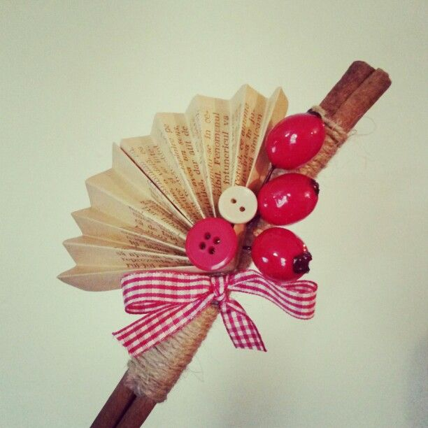 Cinnamon and buttons...winter decoration