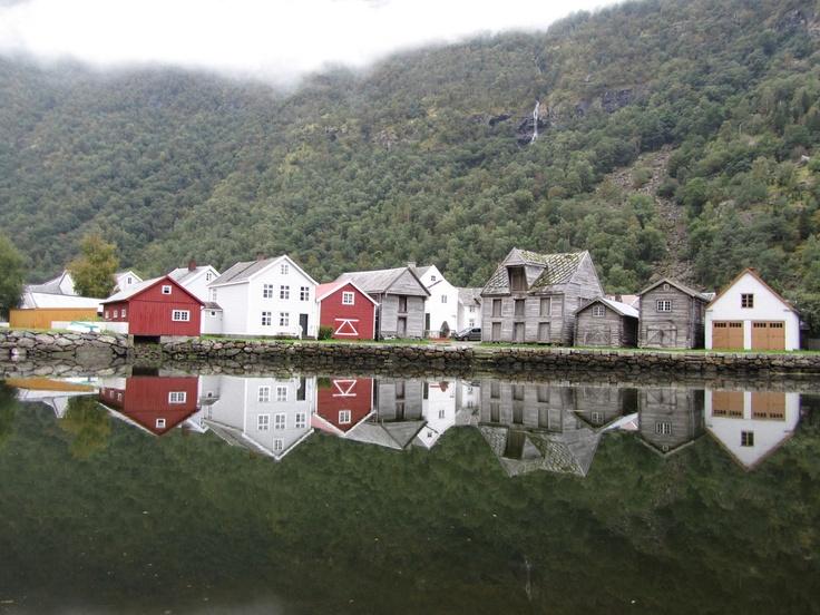 Noorwegen -  Prachtig dorpje langs onze vakantieroute