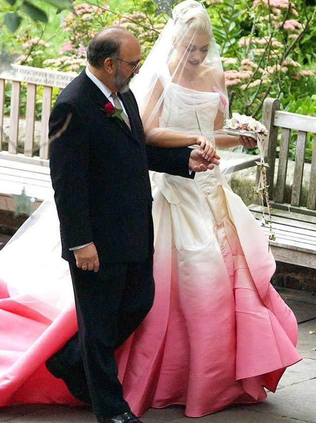 Most Iconic Wedding Dresses: Gwen Stefani Wedding Dress  #weddingdress #bridaldress