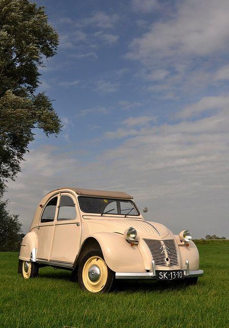 La Belge...  Explore #272, february 28 2013  Belgium built Citroën 2cv AZL