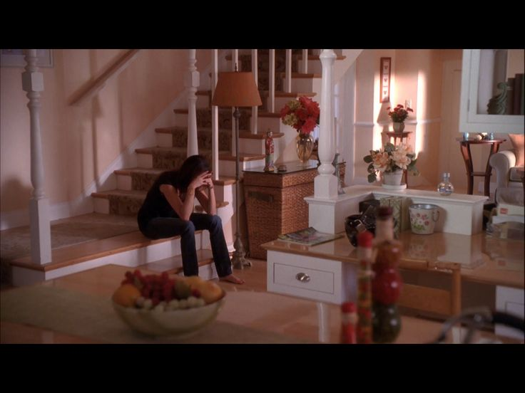 Susan mayer 39 s house desperate housewives pinterest for Living room 4 pics 1 word