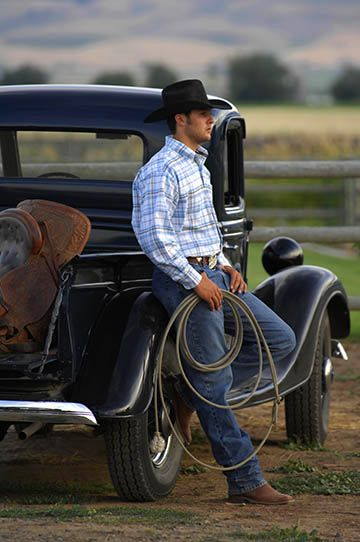 cowboy graduation photo pose, also see more senior portraits at http://www.richardsphotography.com