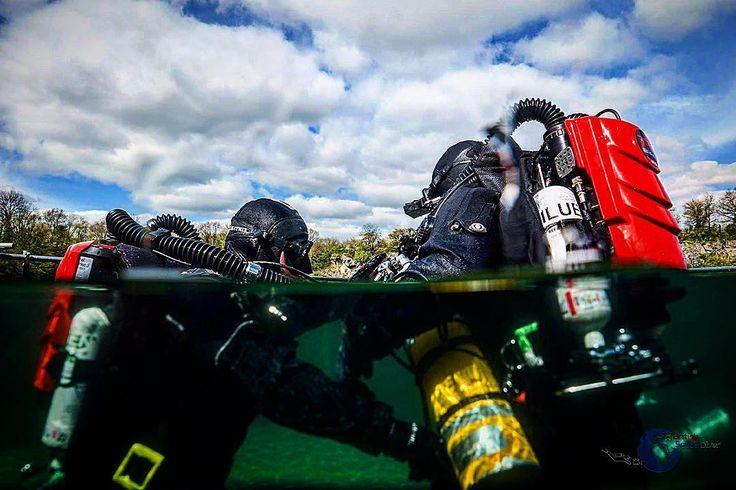 Paul & Oli diving at Vobster Quay on the VMS RedBare for some Matrix Promo videos!! @a_british_scuba_diver #solidgreen #divingmatrix #ccrexplorers @ccrexplorers #unafraid #vms #vmsrebreathers #trainhardfighteasy #redbareccr