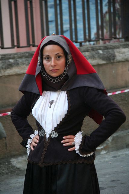 Traditional Sardinian costume is like the naughty nun who has a secret governess fetish and it's really hot for some reason. I would never wear this I RL but there are elements to this that are blowing my freaking mind. It's kind of cuckoo for Cocoa Puffs in a really neat way.