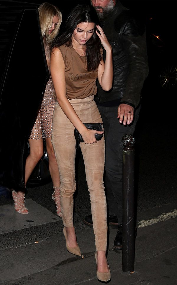 kendall-jenner-street-style-suede-pants-balmain-t-shirt-heels