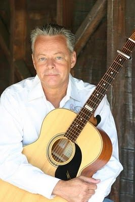 Tommy Emmanuel, the Australian guitar wizard!