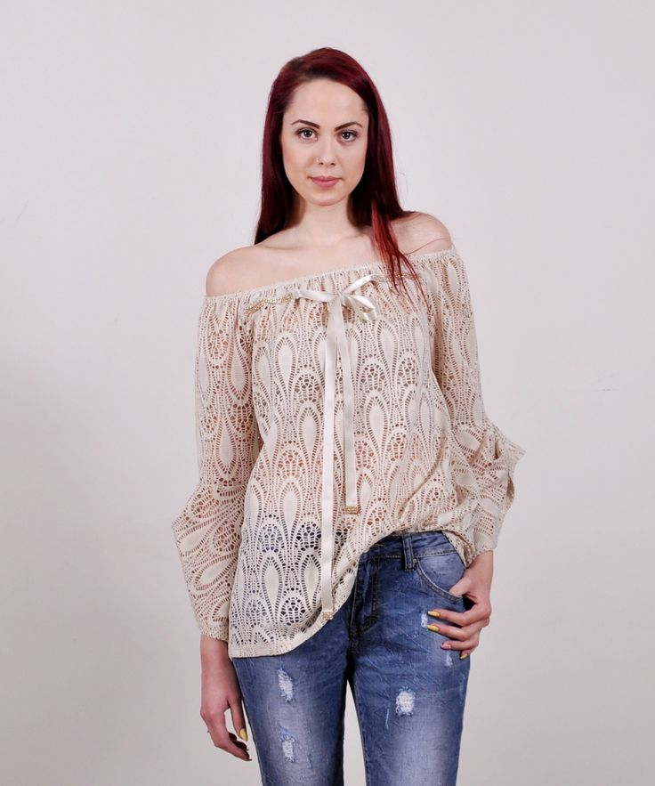 Grama   OFF THE SHOULDER LACE TOP