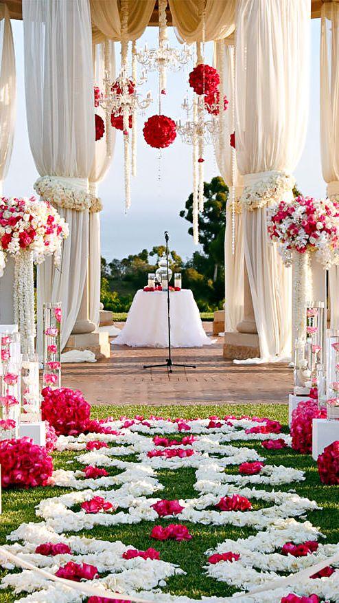 Decoração mais romântica vermelho com branco