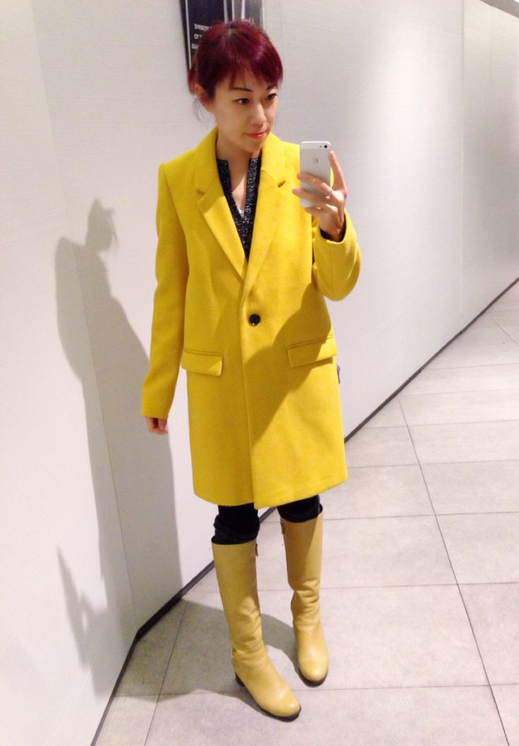 Yellow Zara woollen coat, mustard yellow boots, winter outfit.