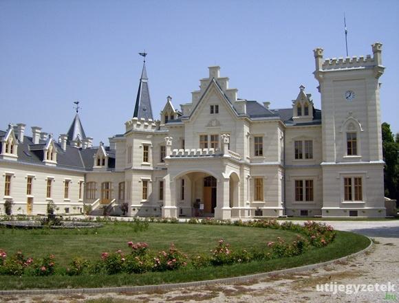 Nádasdy-kastély - Nádasdladány, Hungary