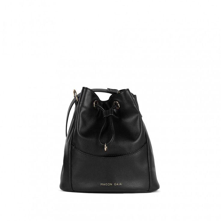 Le sac seau noir c'est noir de la ligne Mojito