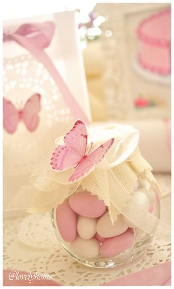 Butterfly baby shower favour - {Butterflies and sweet bon bon, or Jordan Almonds}