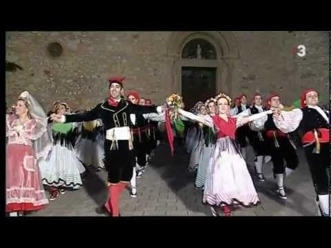 Entrada del ball de Gitanes de Rubí, pel cos de ball de l'esbart dansaire de Rubí.