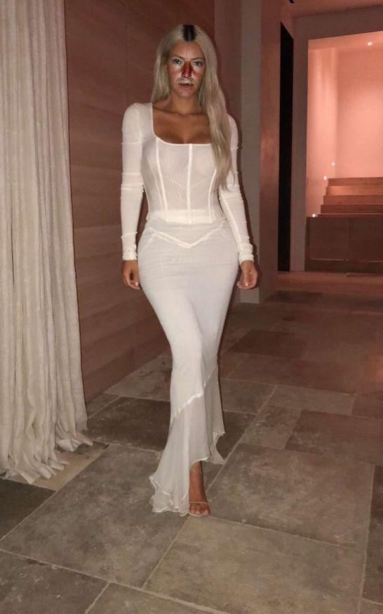 Celebrity Fashion Marisa Kardashian #sexywomen #marisakardashian #marisa #kardashian #fashionweekly #celebrity #celebritynews #celebrityfashion #celebritystyles #sexyoutfits #sexydress #sexbabes #fashionmodel #model #sexy #fashion #latexfashion #blackleatherskrits #longpincelskrits #dreamgirls #dreamgirl #hourgalssfigure #hourglass #curves #curveywomen #sexdoll #fuckdoll #corset #pornstar #latexbabes #latexfashion #celebritymarisakardashian #sexyskirts