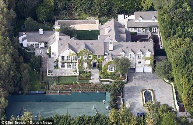 Katie S 15million And A 35m Mansion What Holmes Stands