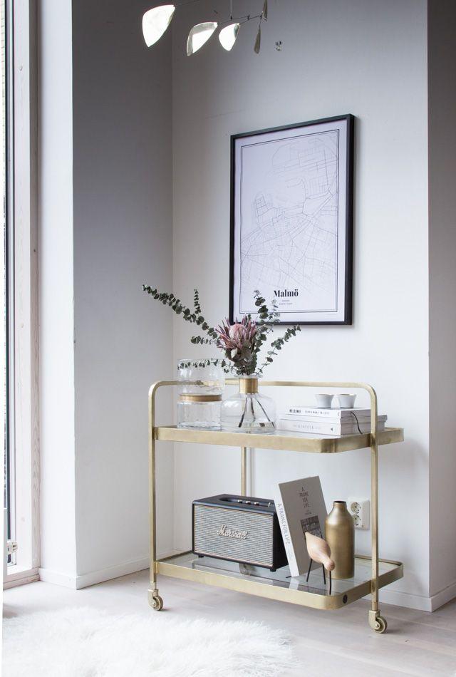 A calm corner of my sitting room. Poster - Grafomap / brass bar cart - Nordal.