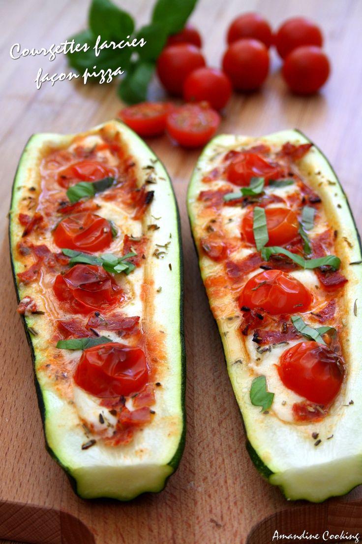 Pizza boats : on farcie les courgettes comme des pizzas ! Mozzarella, tomates cerises et chorizo.  Original et moins gras qu'une vraie pizza !