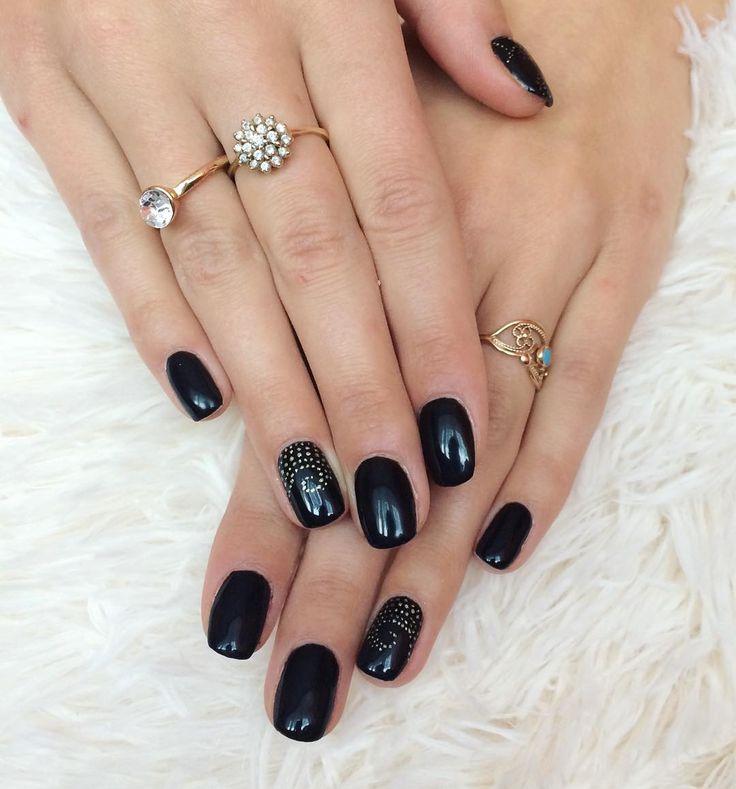 #mani#manicure#nails#classy#blacknails#gold#nailart#paznokcie#hybrydowe#semilac#ilovesemilac