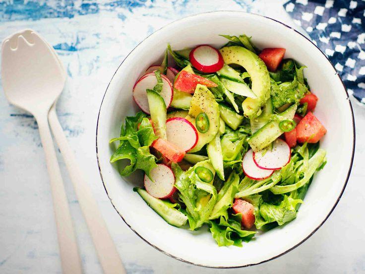 Avokado-retiisisalaatti