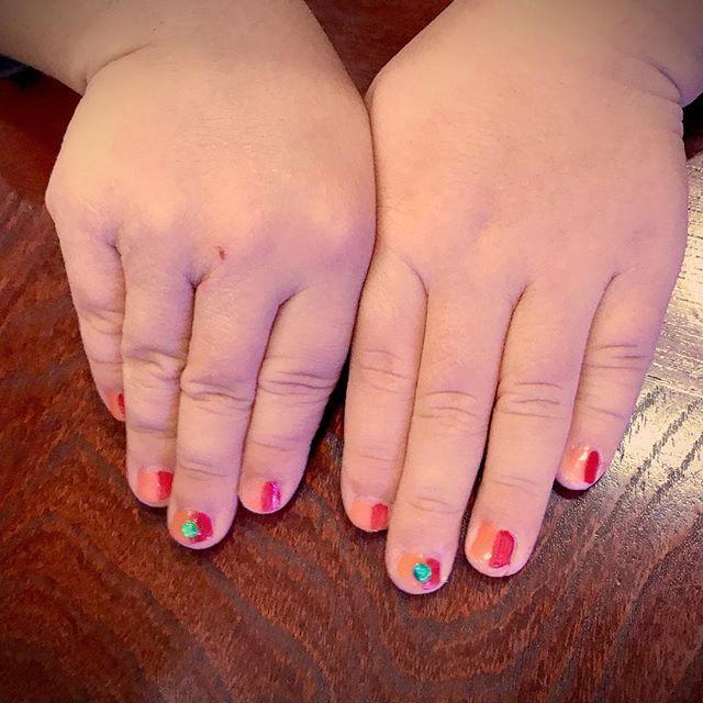 お呼ばれネイル。とちネイル❤️ #セルフネイル #お呼ばれネイル #キッズネイル #赤 #オレンジ#nail #4歳#男の子