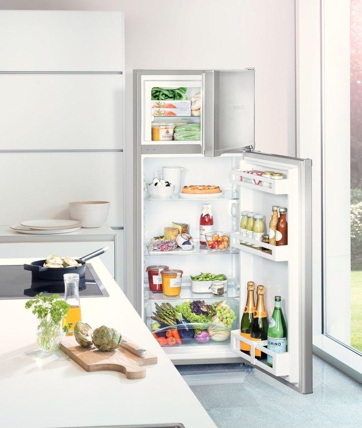 În comparație cu alte frigidere statice, tehnologia Liebherr SmartFrost ingheata mai repede alimentele și reduce formarea gheții, ceea ce face dezghetarea mai simplă și mai rapidă. Acesta ofera, de asemenea, o zonă mai flexibilă de stocare cu o capacitate mai mare și un consum îmbunătățit de energie pentru reducerea costurilor de funcționare.