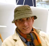 Lapo Binazzi- Born in Florence in 1943, completed his architectural degree in 1971. In 1967, with Foresi, Maschietto, Bachi and Cammeo, he founded UFO, a group which found its place in the experimental climate of Radical architecture. Together, they participated in numerous international exhibitions,     such     as     the     XIV     Milan     Triennale     (1968),     the Paris    Biennale    (1971)    Contemporanea    in    Rome    (1974),    the Venice Biennale(1978)